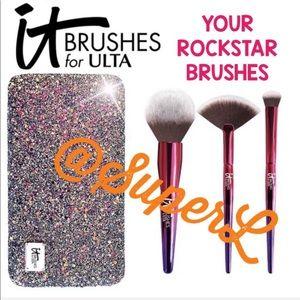 It Cosmetics Powder Eyeshadow Highlighter Brush